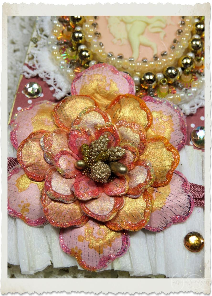 Handmade gold peach paper flower with glitter by Ingeborg van Zuiden