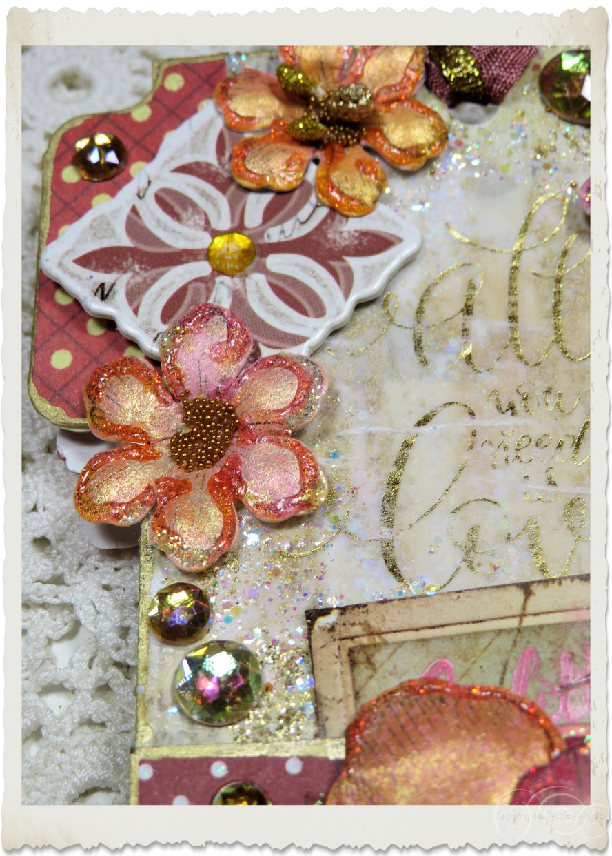 Paper flowers and glitter details