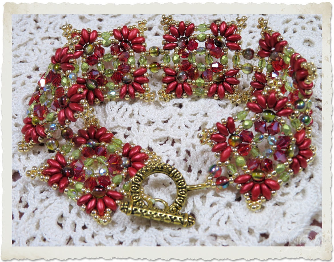 Handmade bead weaving bracelets in red green and gold with Superduo, Miyuki seed beads, Czech crystals and bicone beads by Ingeborg van Zuiden