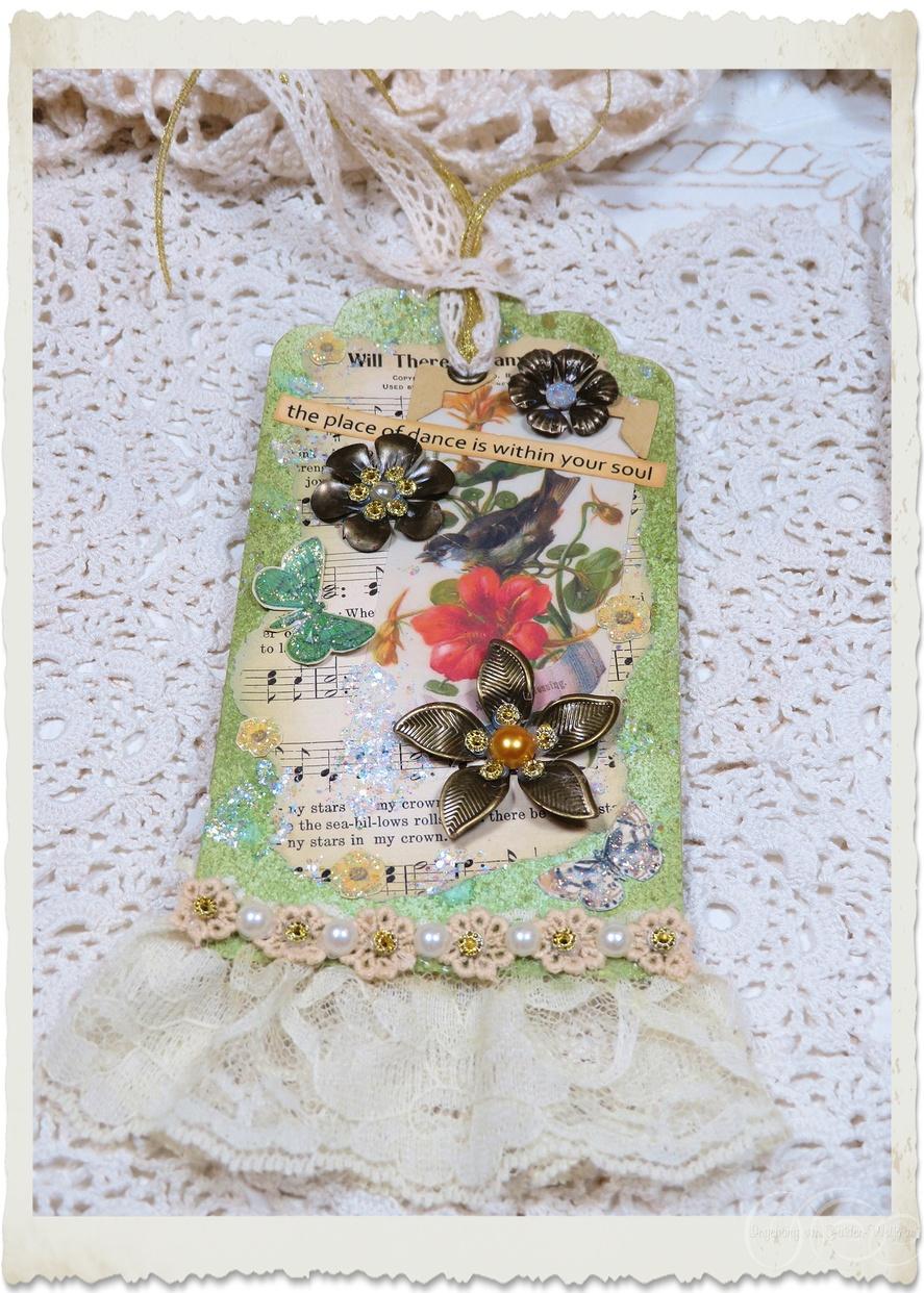 Handmade mixed media pocket paper tag by Ingeborg van Zuiden Weijman